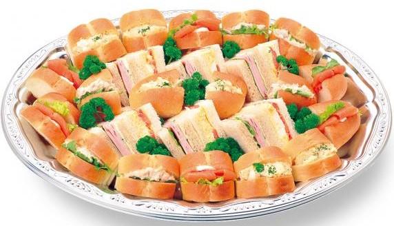<わたやごちそうデリカ>特製サンドイッチ