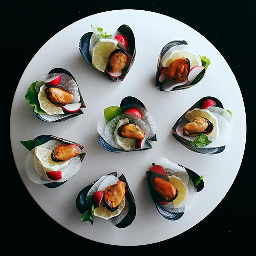「わたやの室」宮島ムール貝料理例